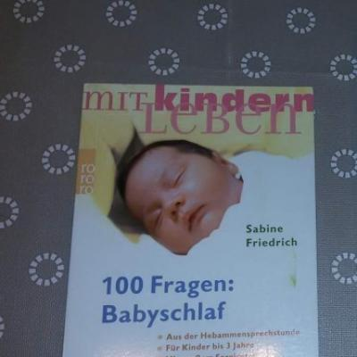 100 Fragen Babyschlaf - thumb