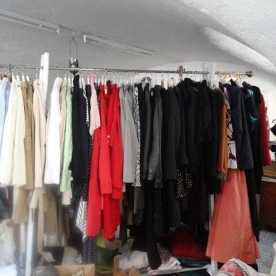 Diverse Kleider extravagant, vintage - thumb