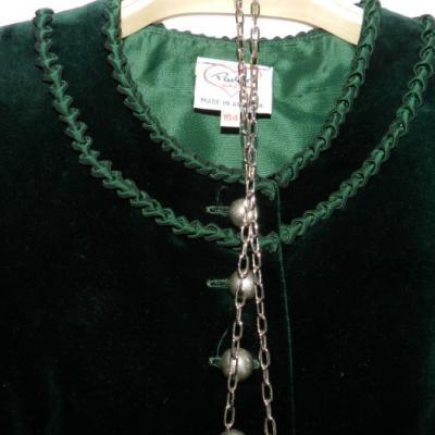 Trachtenkleid fuer Damen - thumb