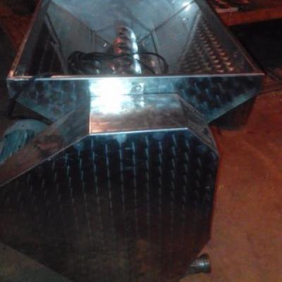 Verkaufe Traubenrebel in Inox mit Pumpe 900,00€ - thumb