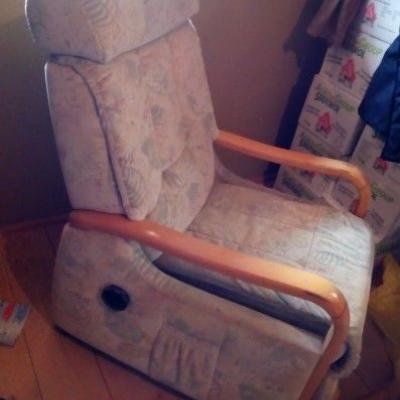 Gut erhaltener Sessel - thumb