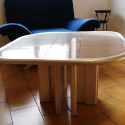 Tisch fuer Wohnzimmer - thumb