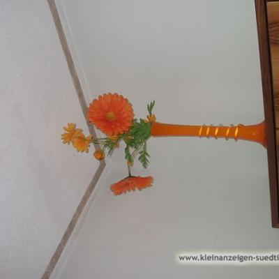 orange und grüne Dekorationartikel - thumb