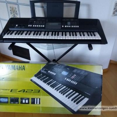 Keyboard der Marke YAMAHA PSR E423 - thumb