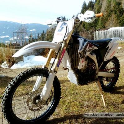 Yamaha YZ 450 - thumb