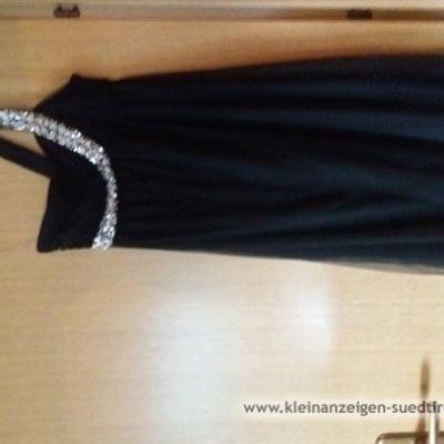Schwarzes Abendkleid - thumb