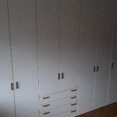 Moderner weißer Kleiderschrank 7 Türig - thumb