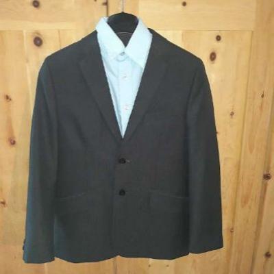 Anzugjacke mit passendem Hemd und Krawatte - thumb