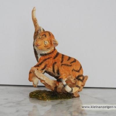 Kleiner schlafender Tiger - thumb