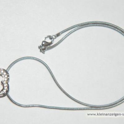 Halskette mit Herzanhänger - thumb
