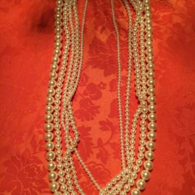 Extravaganter Modeschmuck 5- reihige Perlenkette - thumb