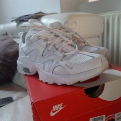 Turn-/Freizeitschuh Nike Air Max weiß - Größe 37,5 - thumb