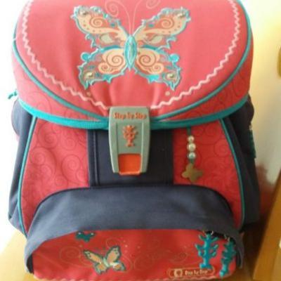 Neuwertige Schultasche - thumb
