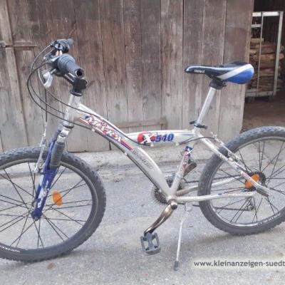Gut erhaltenes Fahrrad - thumb