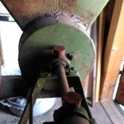 Kornmühle aus Metall - thumb