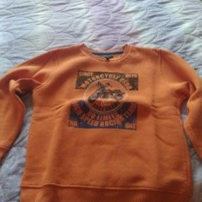Pullover 7-8 Jahre - Jeanshosen 10 Jahre - thumb