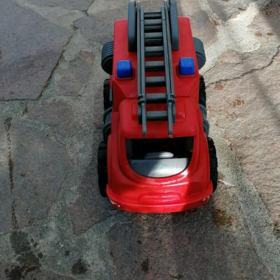 Feuerwehrauto und Bagger - thumb