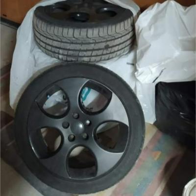4 GTI Reifen mit Felgen - thumb