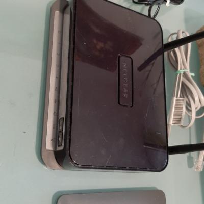 Modem Router NETGEAR N300 Wireless ADSL2+ - thumb