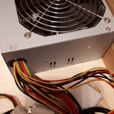 2 ältere PC Netzteile zu verkaufen - thumb