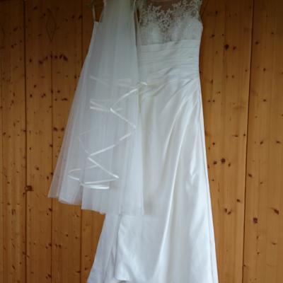 Brautkleid LILLY mit Schuhen und Reifrock - thumb