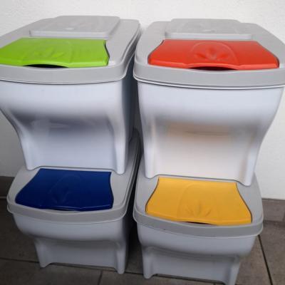 Mülleimer ... Nur an Selbstabholer in Waidbruck zu verkaufen - thumb