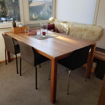 Esstisch aus Holz - thumb