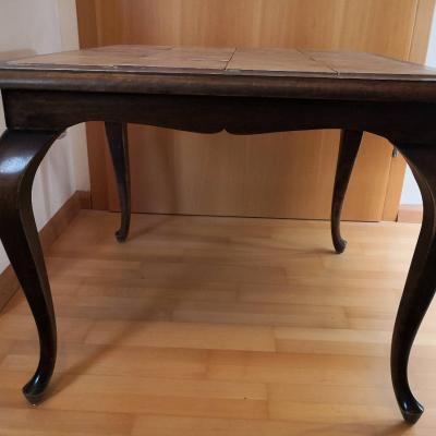 alter quadratischer Tisch - thumb