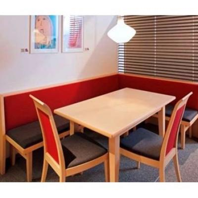 Eckbank mit Tisch und Stühlen - thumb