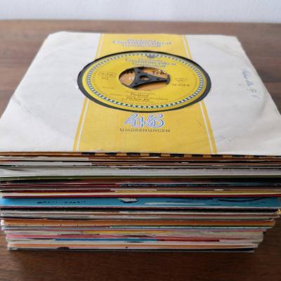 Schallplaten Singles - 36 Stück 45ger - thumb
