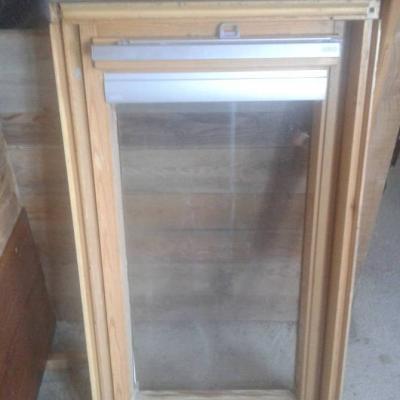 Fast neues Dachschwingfensterfenster zu verkaufen - thumb