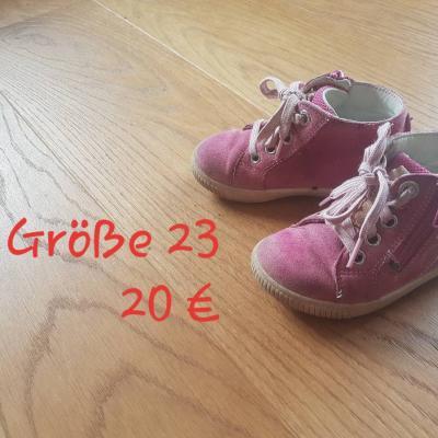 Schuhe Nr.21 und 23 - thumb