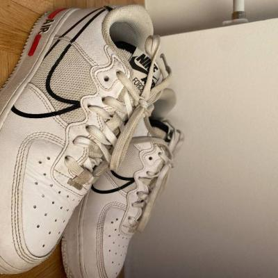 Nike Schuhe - thumb