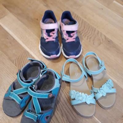 Turnschuhe und Sandalen für Mädchen - Gr. 29 - thumb