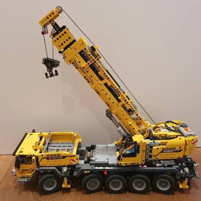 Lego Technic, mobiler Schwerlastkran, Model 42009 - thumb