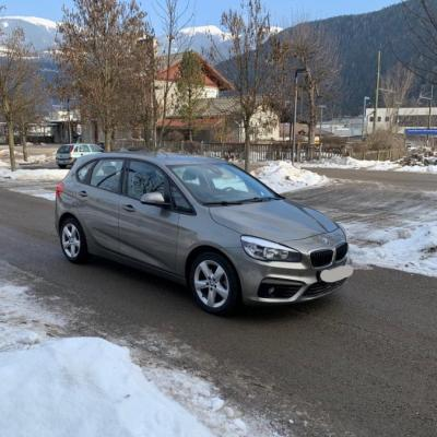 BMW 218d Active Tourer Sport - thumb