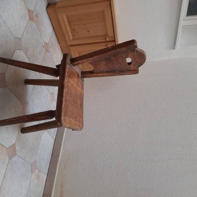 Holztische und Stühle - thumb