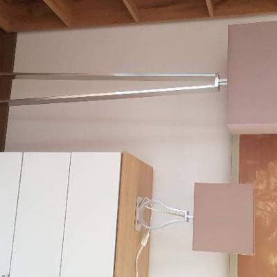 Ikea Stehleuchte und Tischleuchte - thumb