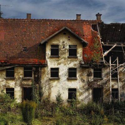 Renovierungsbedürftiges Haus/kleiner Bauernhof/Baugrund gesucht! - thumb