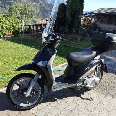 125er scooter piaggio - thumb