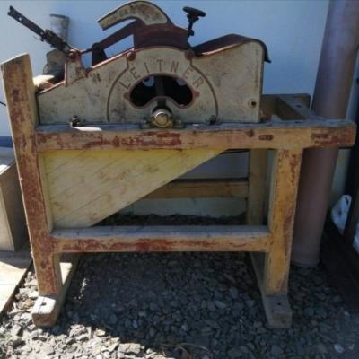 Antike Dreschmaschine - thumb
