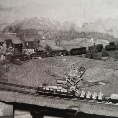 Fleischmann H0 - Analog. Lokomotiven und Wagen, Faller Modellgebäude - thumb