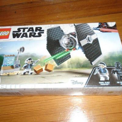 LEGO Star Wars 75237 TIE Fighter - thumb