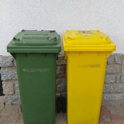 2 Mülltonnen guter zustand - thumb