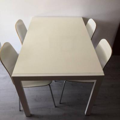 Tisch mit 4 Stühlen - thumb