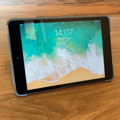 neuwertiges Ipad Mini 2 - 32GB  mit Hülle - thumb