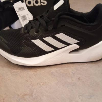 Schuhe neu adidas - thumb