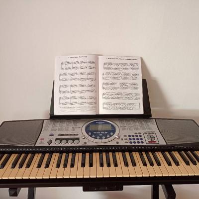 Keyboard 61 Tasten mit Notenhalter - thumb