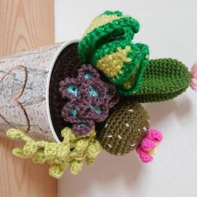 Mit ♥️ gehäkelte Kaktus - thumb