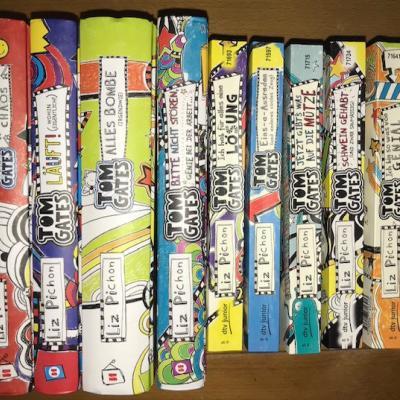 Neun Jugendbücher TOM GATES von Liz Pichon - thumb